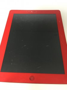 ガラスの割れた赤いiPad