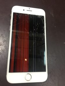 iPhone6s液晶割れと表示不良