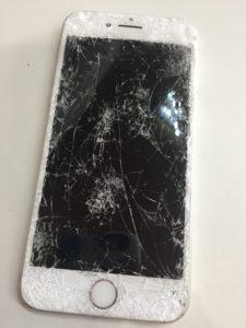 車に踏まれたiPhone7