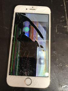液漏れで表示がほとんど見えないiPhone6s