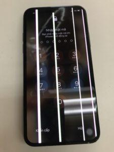 白い縦線が出たiPhoneX