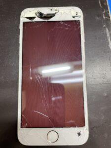 ディスプレイの故障で画面が赤くなったiPhone6