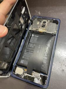 バッテリー膨張のHuawei Mate10Pro
