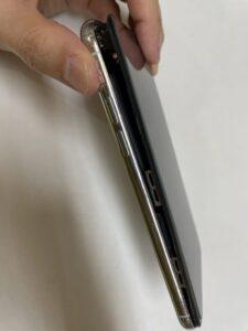 バッテリー膨張のiPhoneX