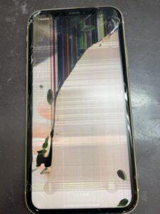 液漏れで操作もできないiPhoneXR