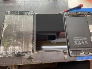 ガラス・液晶・本体に分解したiPad mini