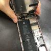 プールで水没のiPhoneSEの内部